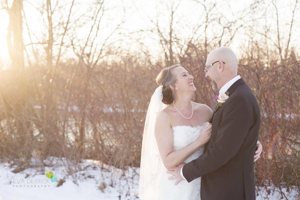 winter-wedding-welland-eva-derrick-photography-sunset-warm-snow-love.jpg