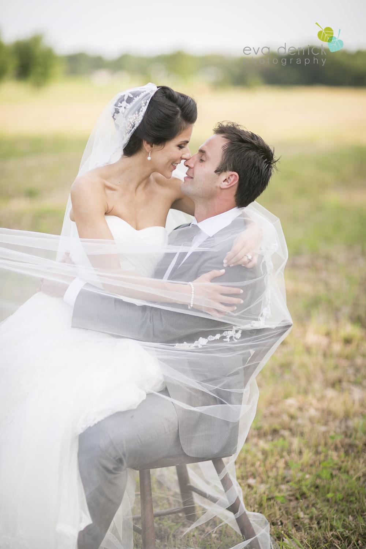 Feature A Vintage Barn Wedding Niagara Wedding Photographer Via Elegant Wedding Eva Derrick