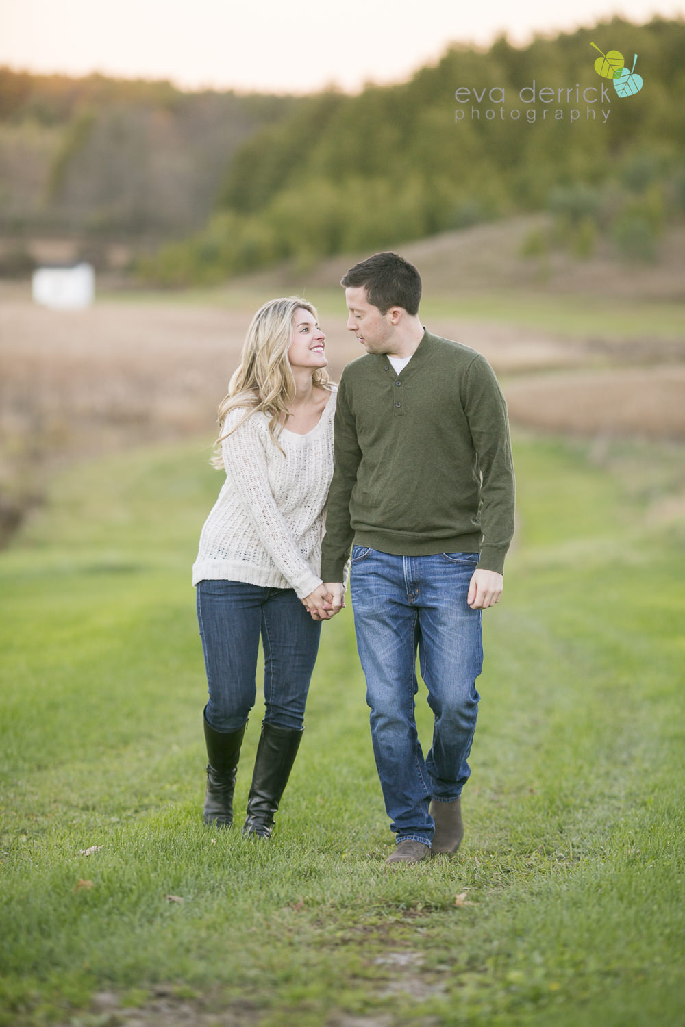 Albion-Hills-Photographer-Engagement-Session-Alanna-Matt-photography-by-Eva-Derrick-Photography-025.JPG