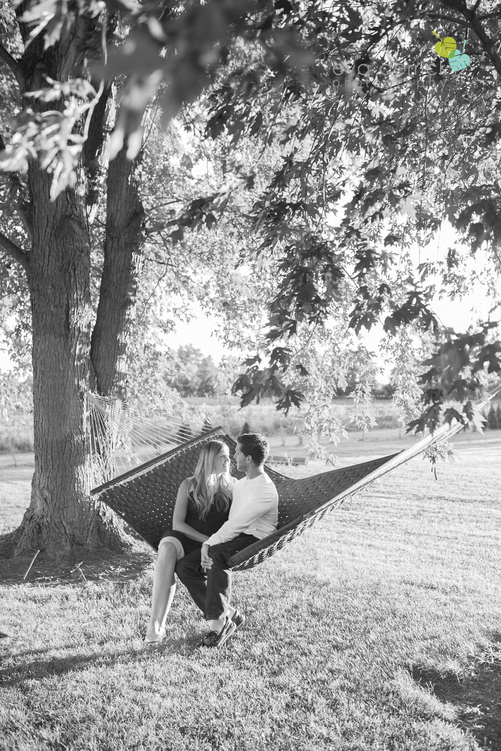 Niagara-Engagement-Photographer-Engagement-Session-Vineyard-Farm-Fields-Beth-Dan-photography-by-Eva-Derrick-Photography-017.JPG