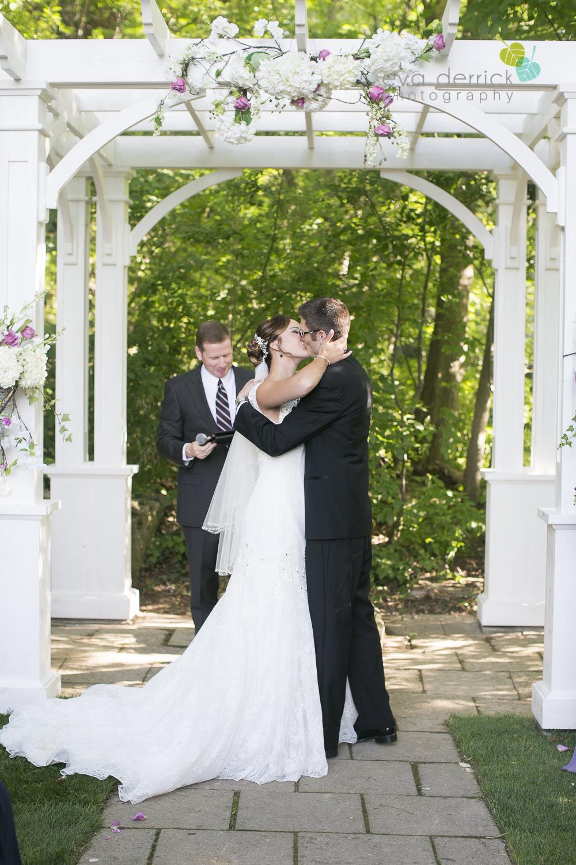 Ancaster-Mill-Weddings-Hamilton-Wedding-Photographer-Ancaster-Wedding-Photographer-photography-by-Eva-Derrick-Photography-026.JPG