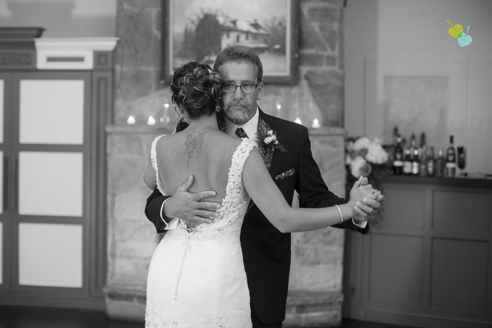 Ancaster-Mill-Weddings-Hamilton-Wedding-Photographer-Ancaster-Wedding-Photographer-photography-by-Eva-Derrick-Photography-045.JPG