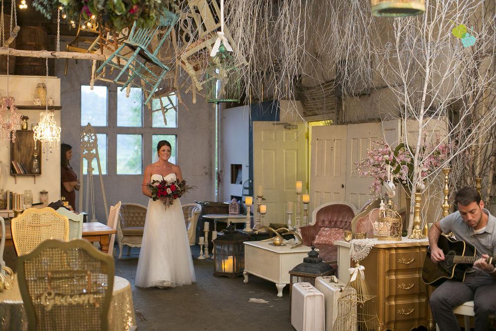 Hamilton-Wedding-Photographer-Anne-an-Co-Niagara-Weddings-Niagara-Elopement-photography-by-Eva-Derrick-Photography-030.JPG