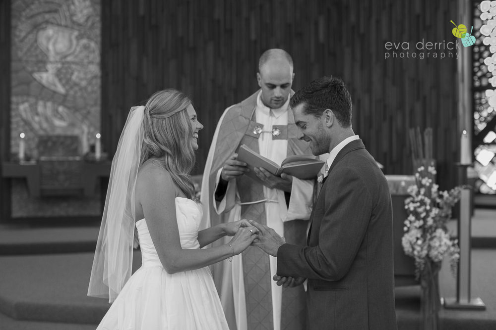 Twenty-Valley-Wedding-Photographer-Niagara-Weddings-photography-by-Eva-Derrick-Photography-017.JPG
