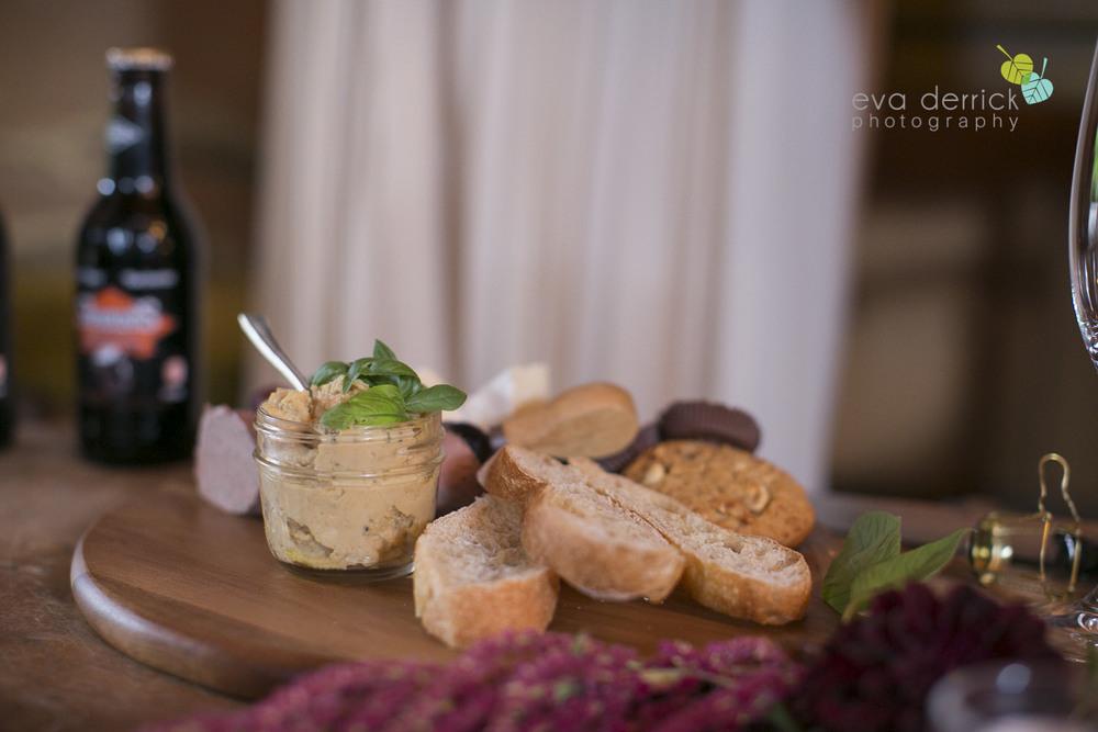 Honsberger-Estate-Wedding-Photographer-Niagara-Weddings-photography-by-Eva-Derrick-Photography-022.JPG
