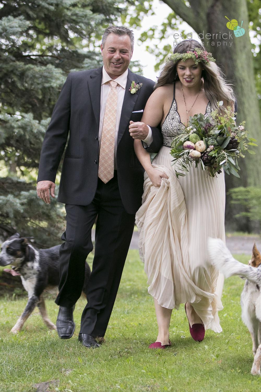 Honsberger-Estate-Wedding-Photographer-Niagara-Weddings-photography-by-Eva-Derrick-Photography-044.JPG