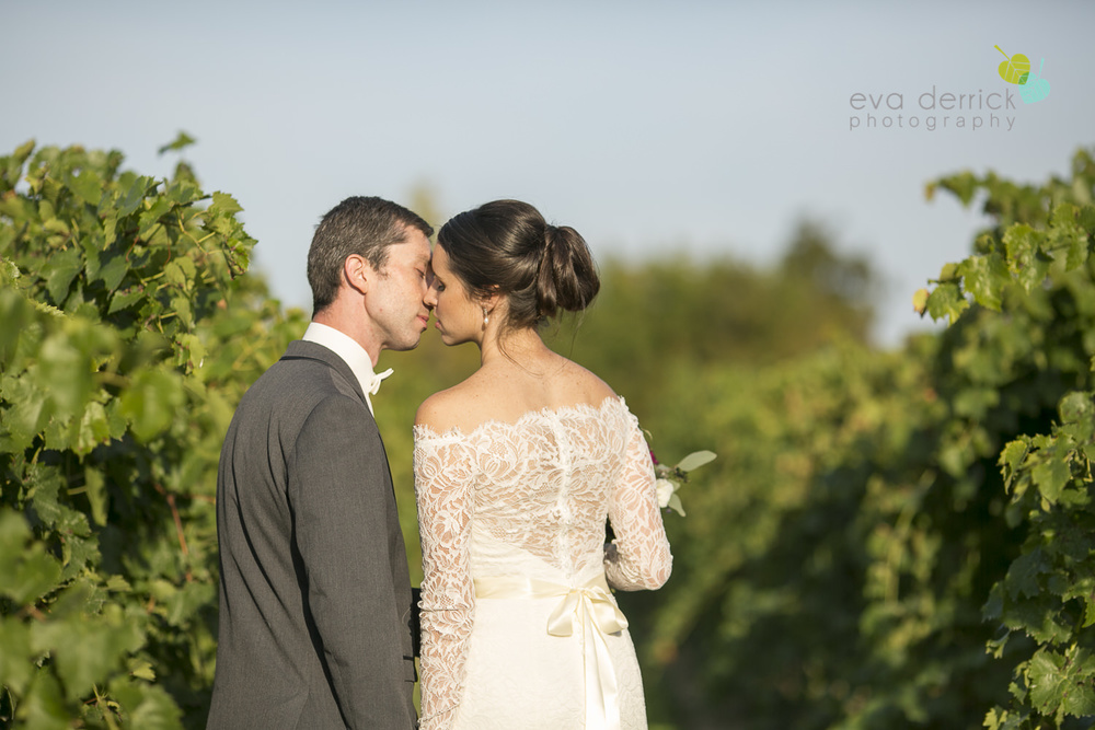 St-Catharines-Wedding-Photographer-Hernder-Estate-Wines-Niagara-Weddings-photography-by-Eva-Derrick-Photography-037.JPG