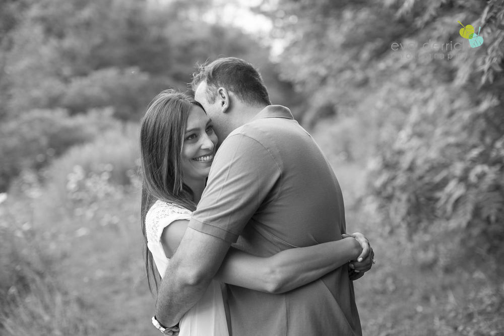 Niagara-Engagement-Session-photography-by-Eva-Derrick-Photography-003.JPG