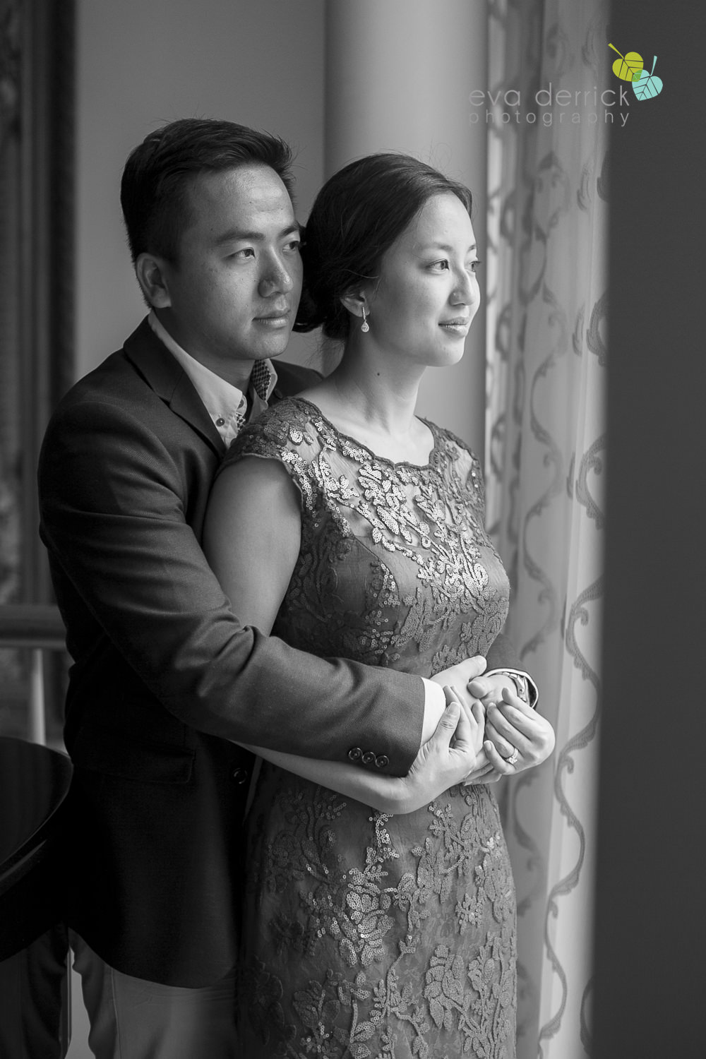 Niagara-on-the-Lake-wedding-photographer-tea-ceremony-queens-landing-wedding-photo-by-eva-derrick-photography-0009.JPG
