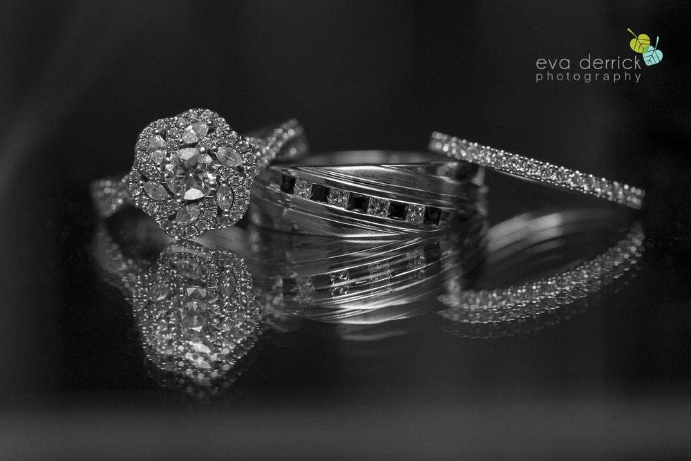 Burlington-Weddings-intimate-weddings-Blacktree-Restaurant-wedding-photo-by-eva-derrick-photography-041.JPG