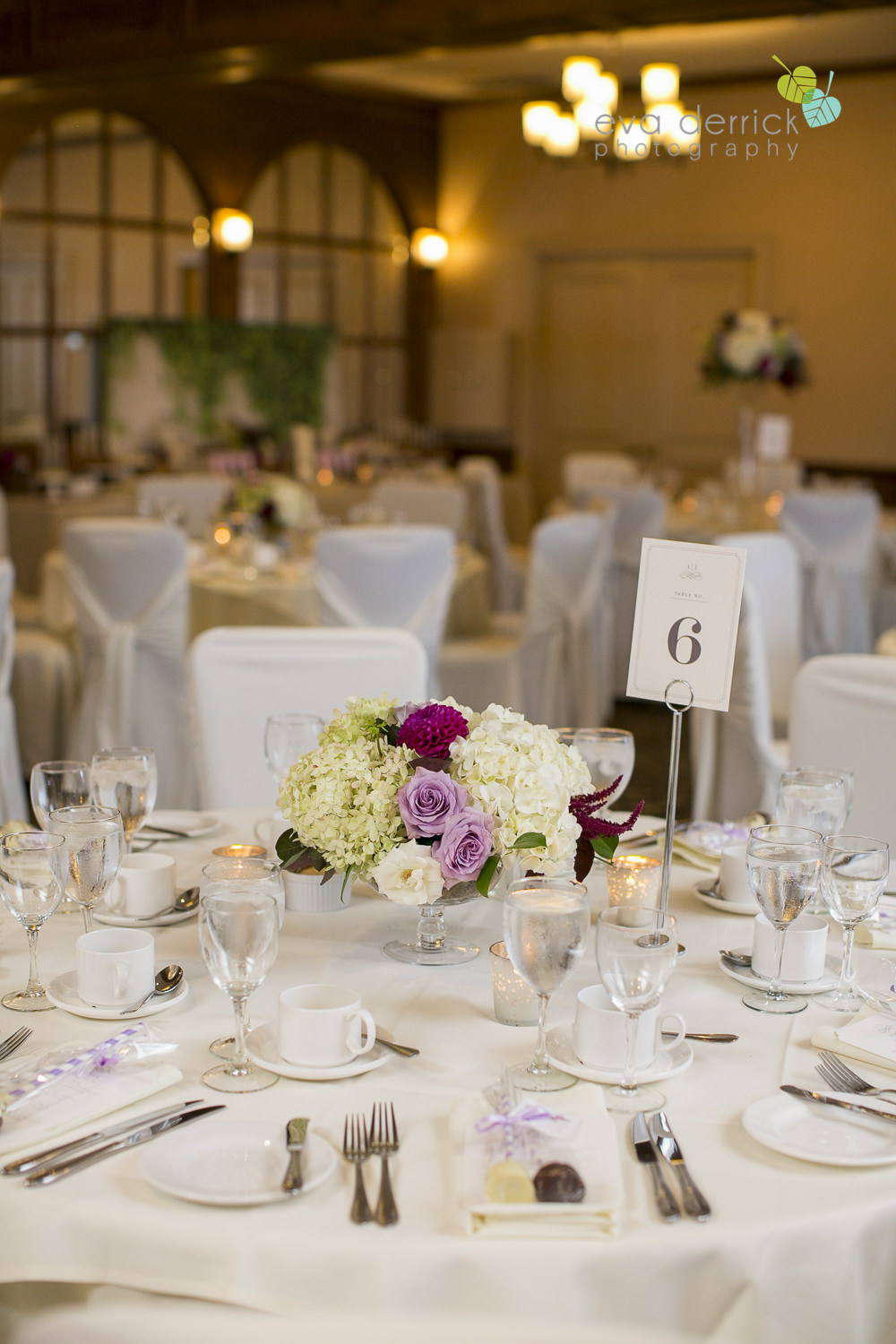 Vintage-hotels-wedding-Niagara-on-the-Lake-Pillar-and-Post-photo-by-eva-derrick-photography-050.JPG