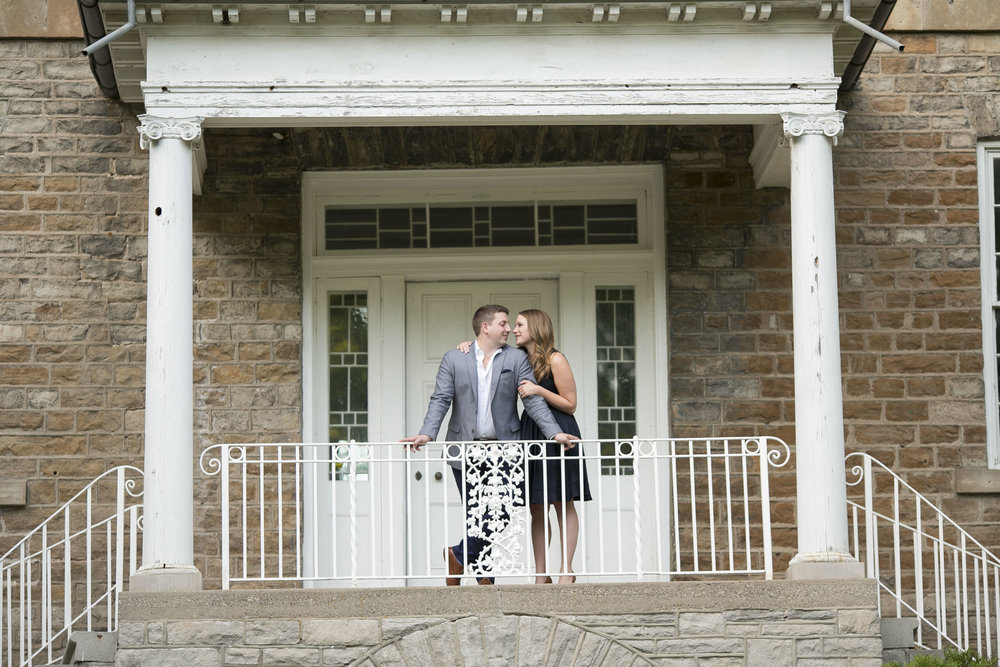 Niagara-on-the-Lake-Summer-Engagement-photos-by-Philosophy-Studios006.JPG