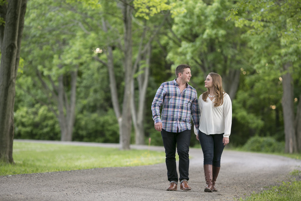 Niagara-on-the-Lake-Summer-Engagement-photos-by-Philosophy-Studios017.JPG