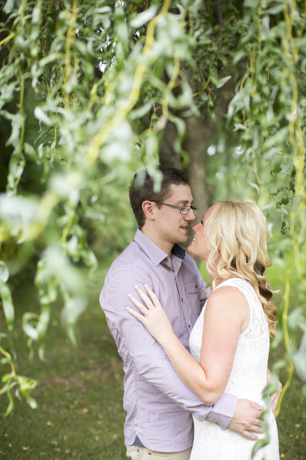 Niagara-on-the-Lake-Engagement-photos-by-Philosophy-Studios-003.JPG