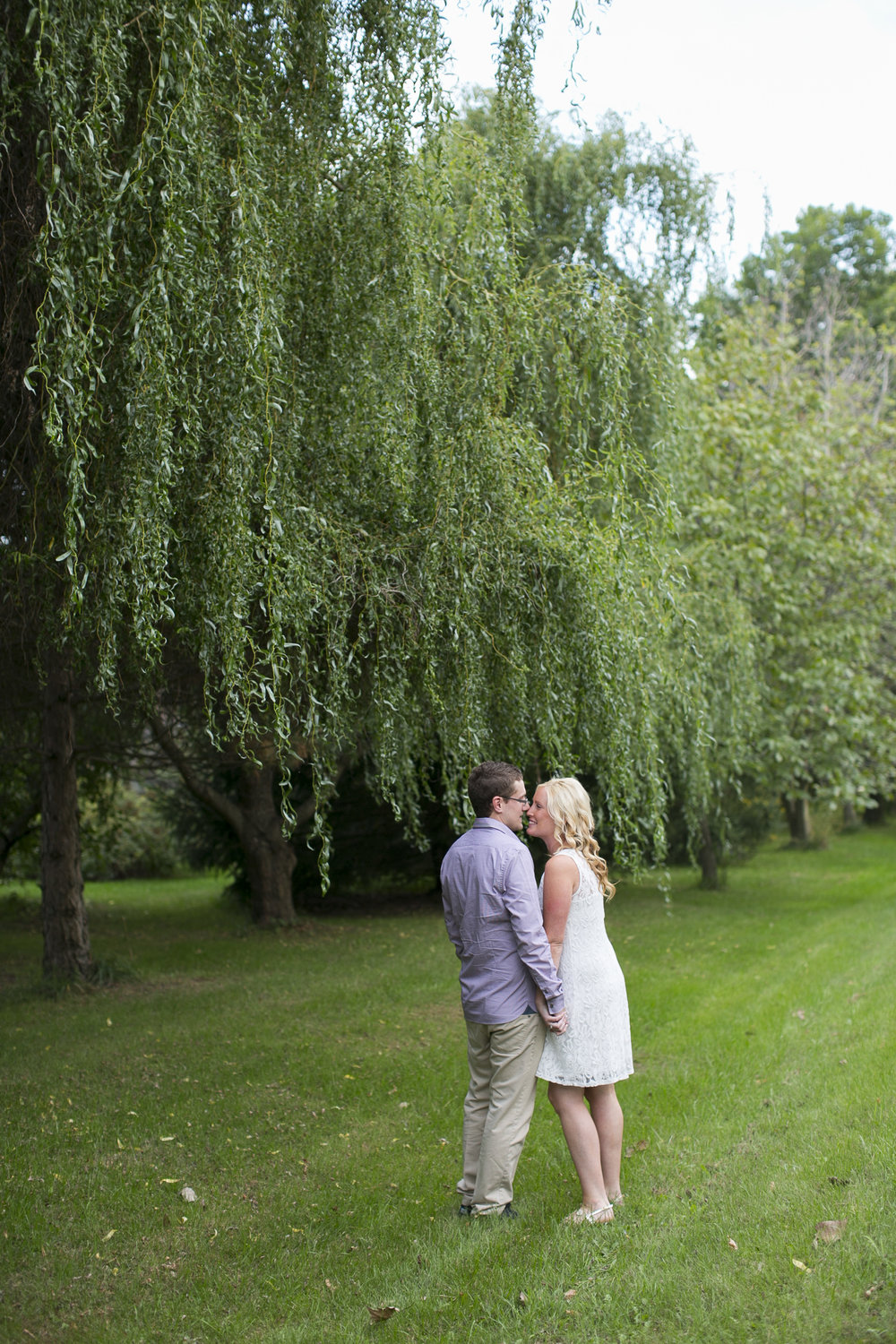 Niagara-on-the-Lake-Engagement-photos-by-Philosophy-Studios-006.JPG