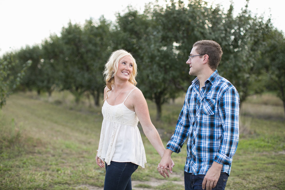 Niagara-on-the-Lake-Engagement-photos-by-Philosophy-Studios-011.JPG