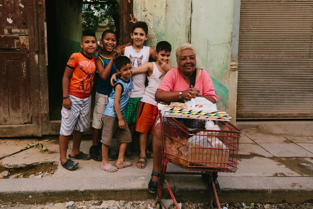 Los niños que juegan en mi barrio. The neighbourhood kids wholived near my house in Havana Vieja