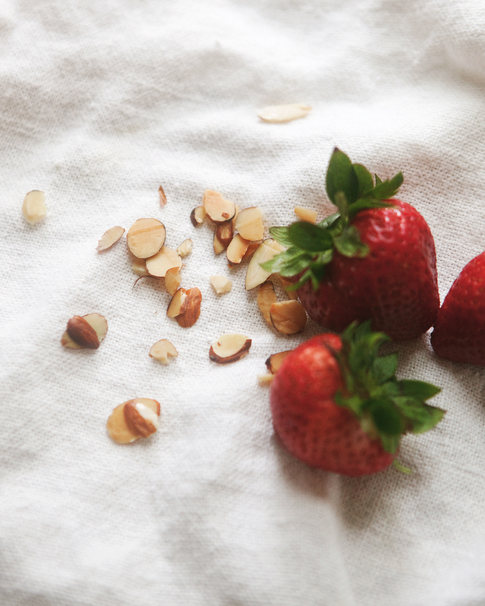 Chilled-Strawberry-Oatmeal__0057.jpg