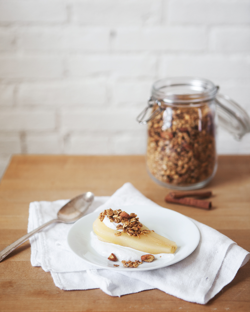 poached-pears-with-granola_01.jpg