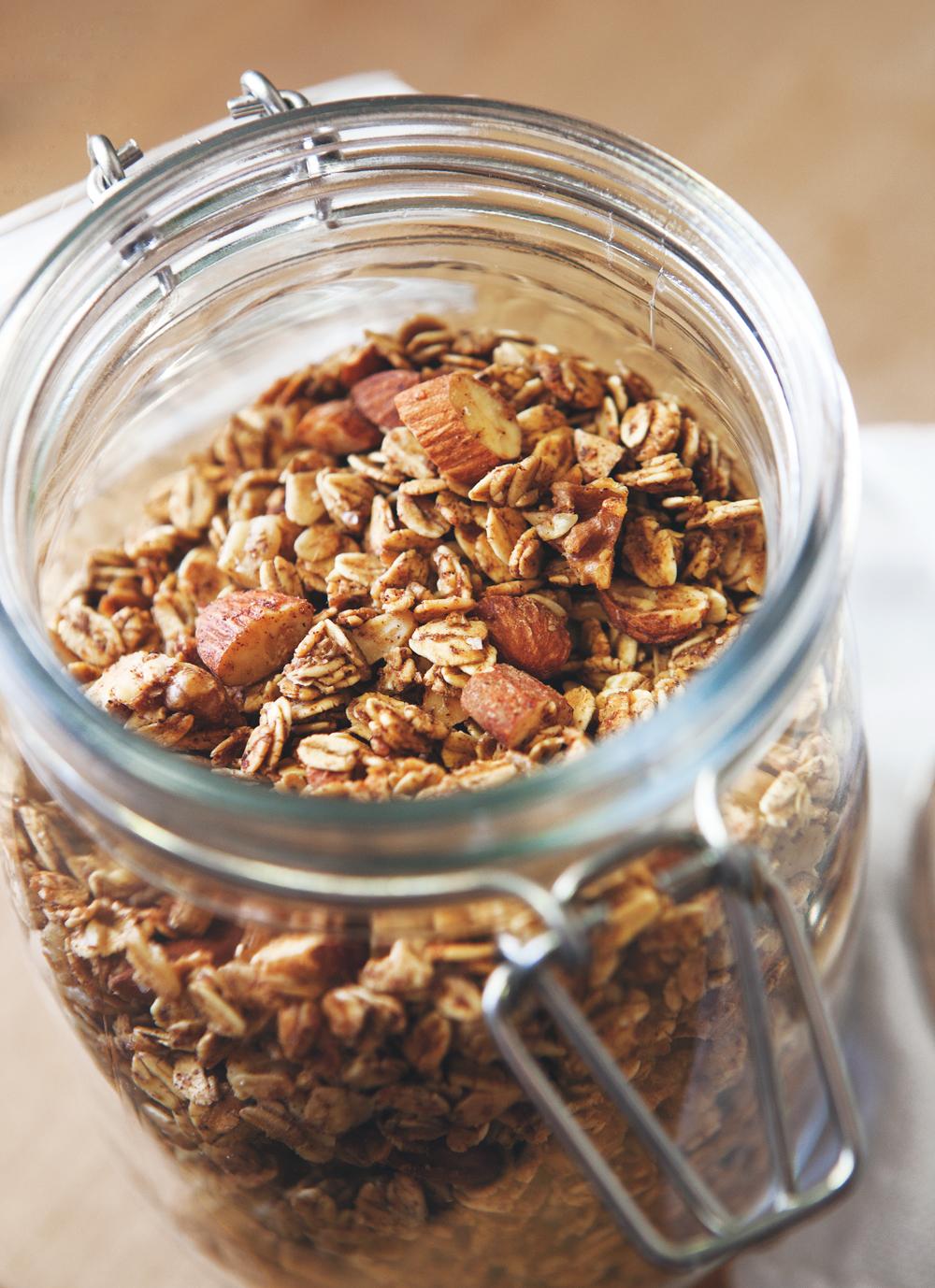 walnut-granola.jpg
