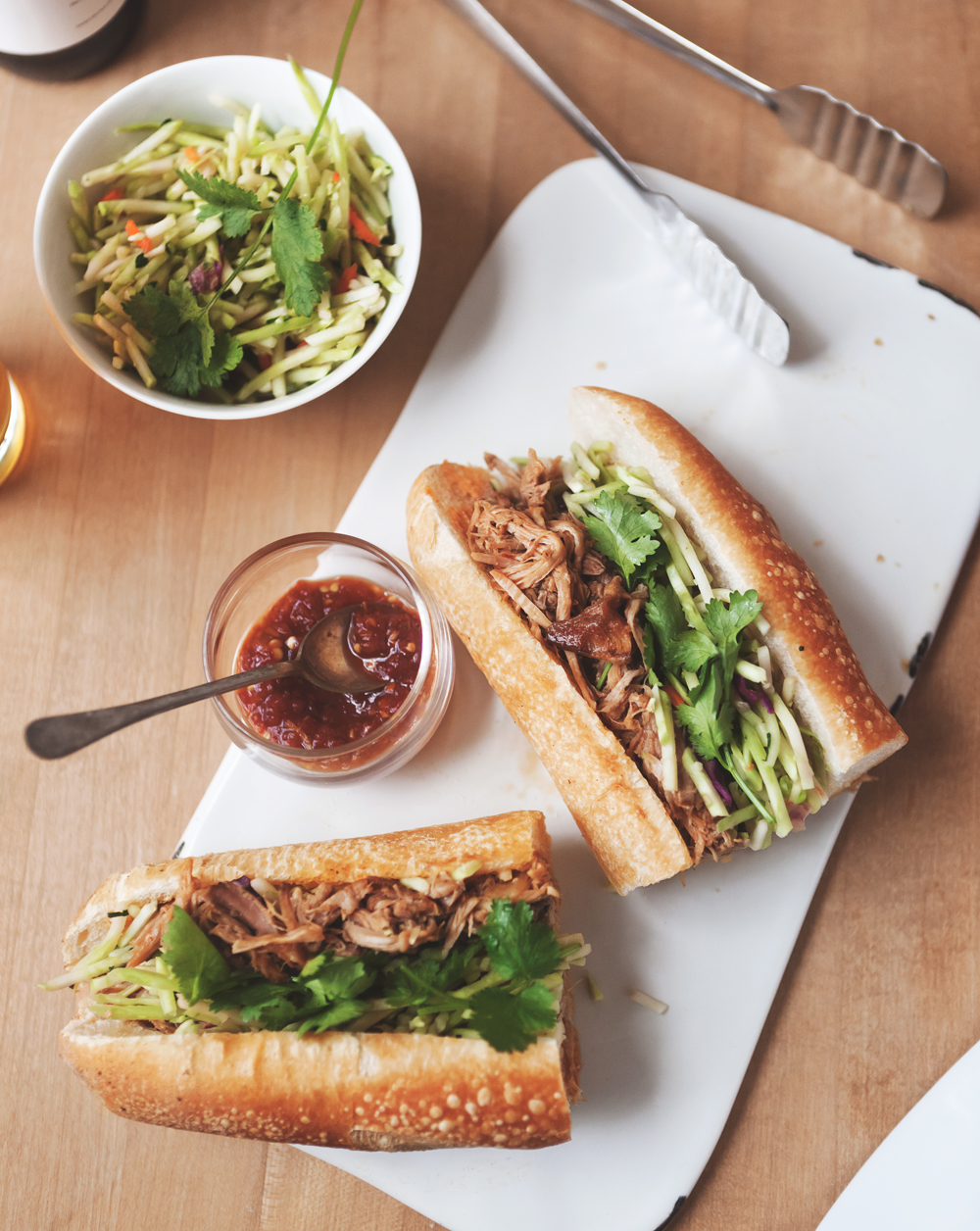 Thai-style-pulled-pork-banh-mi_02.jpg
