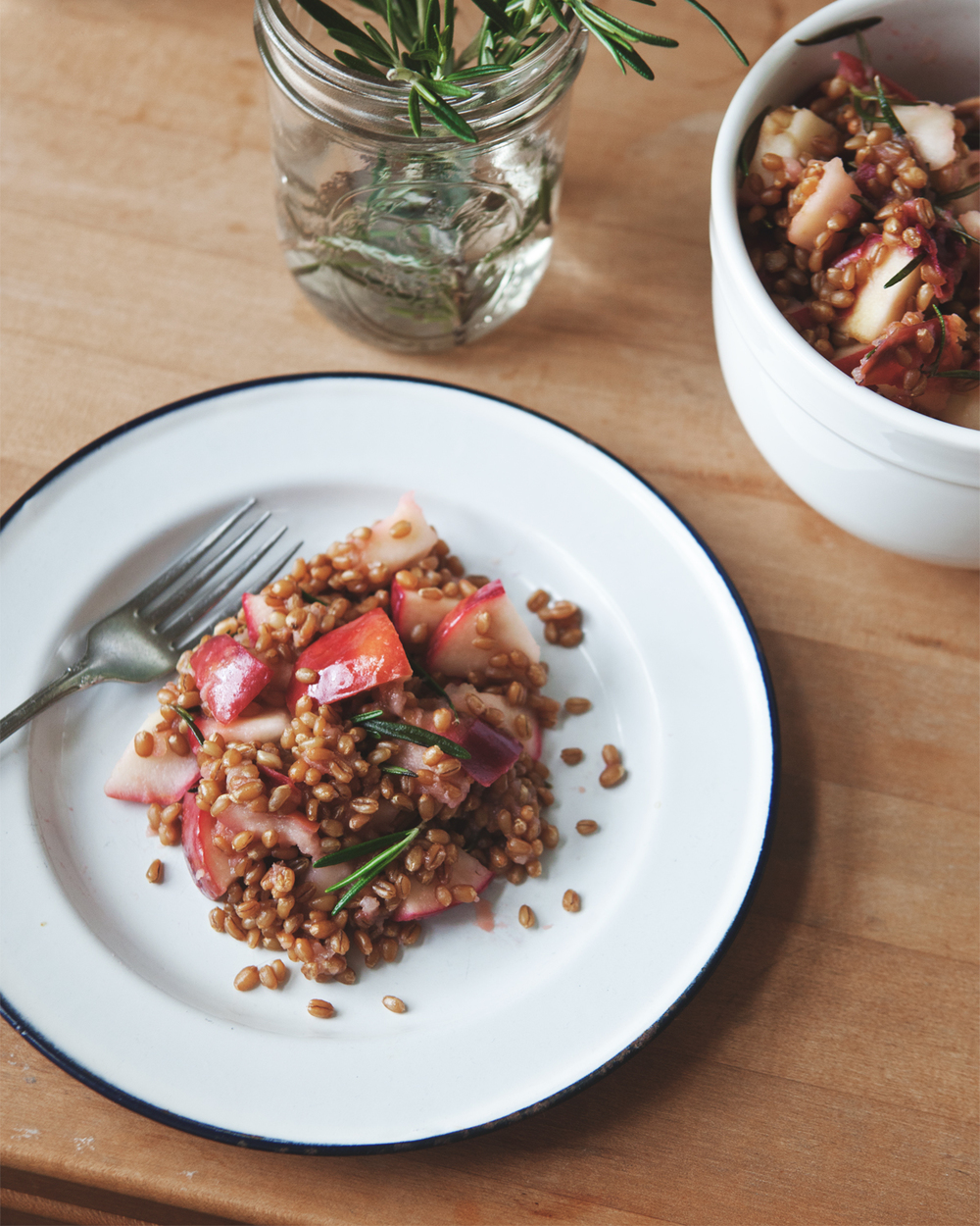 Warm-Rosemary-Apple-Wheatberry-Salad_05.jpg