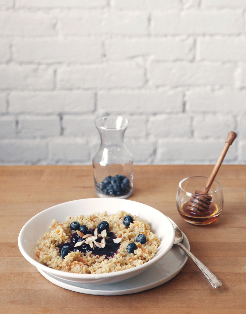 Honey-Apricot-Millet-with-Blueberry-Compote-and-Toasted-Almonds_01.jpg