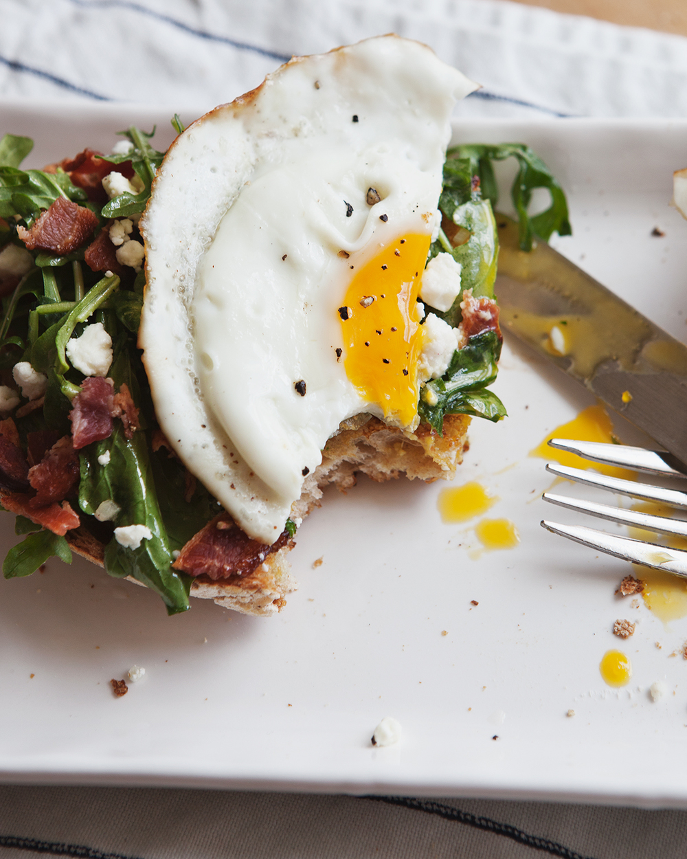 arugula-tartine-with-bacon-feta-and-taragon-vinaigrette_jg_president-cheese_0019.jpg