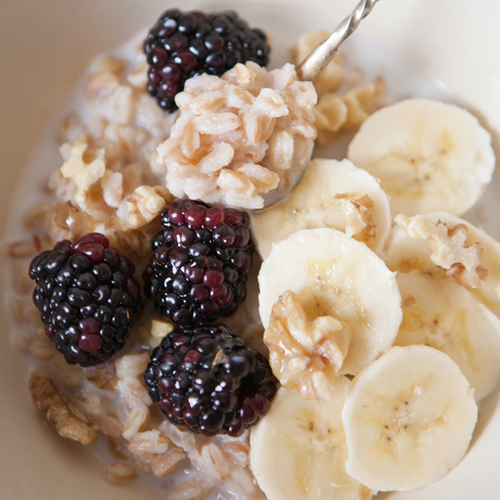 sweet farro with blackberries + bananas