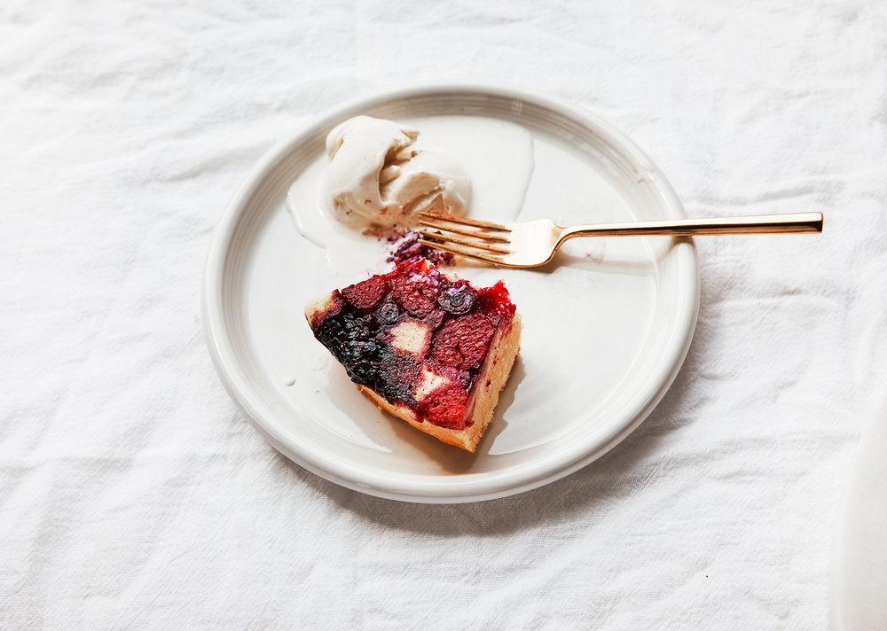 Sour-Cream-Berry-Cake0082.jpg