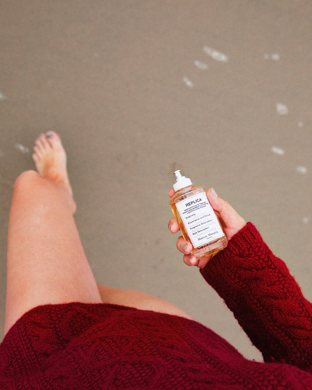 beach walk - reproduction of familiar scents + moments of varying locations + periods