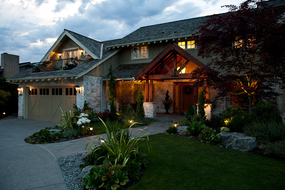 yarrow-point-remodel-front-exterior-seattle-paul-moon-design-architecture-3.jpg