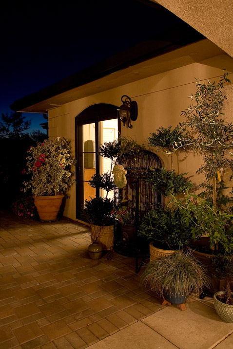 creswell-oregon-european-stucco-exterior-patio-paul-moon-design-architecture.jpg