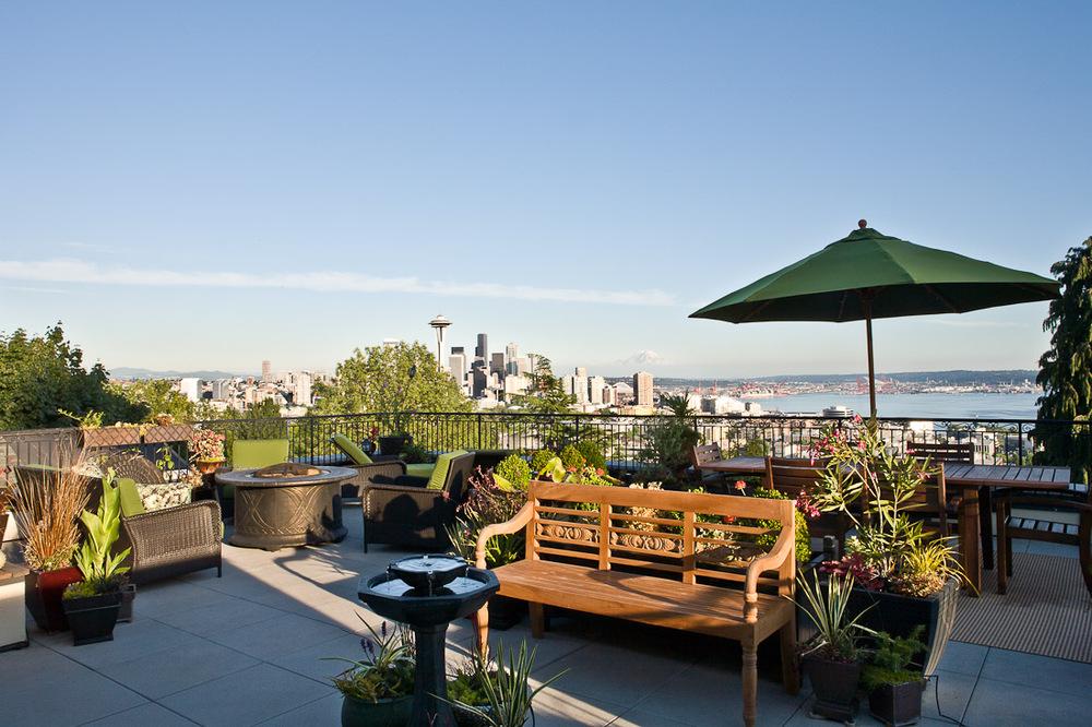 queen-anne-landscape-architecture-patio-deck-view-paul-moon-design-seattle-2.jpg