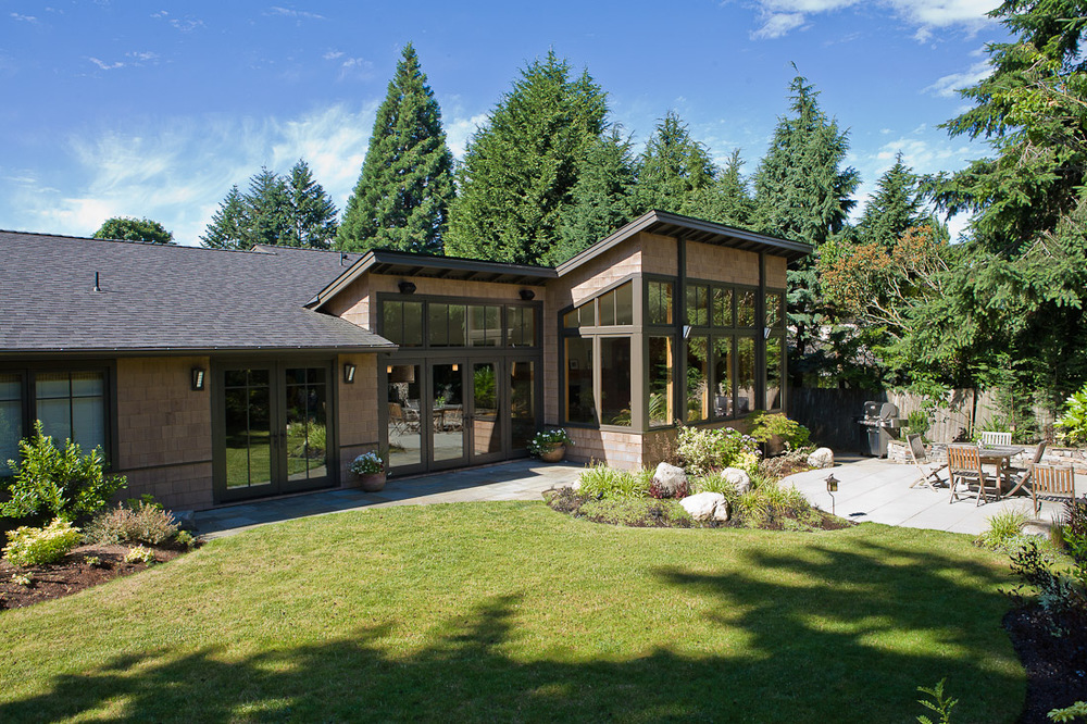 mercer-island-remodel-exterior-back-landscape-architecture-seattle-paul-moon-design.jpg