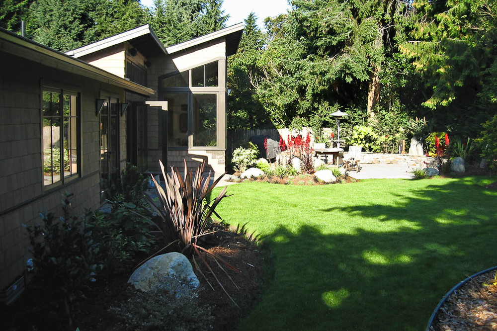 mercer-island-exterior-back-landscape-architecture-seattle-paul-moon-design.jpg