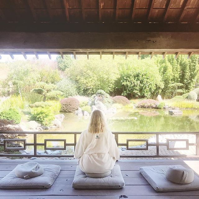 heading into the weekend like ☺️ . . . . . . . . . . #travel #travelgram #wanderlust #getoutside #spa #outdoorspace #meditation #meditationspace #selfcare #selfcarefirst #california #bethonthego