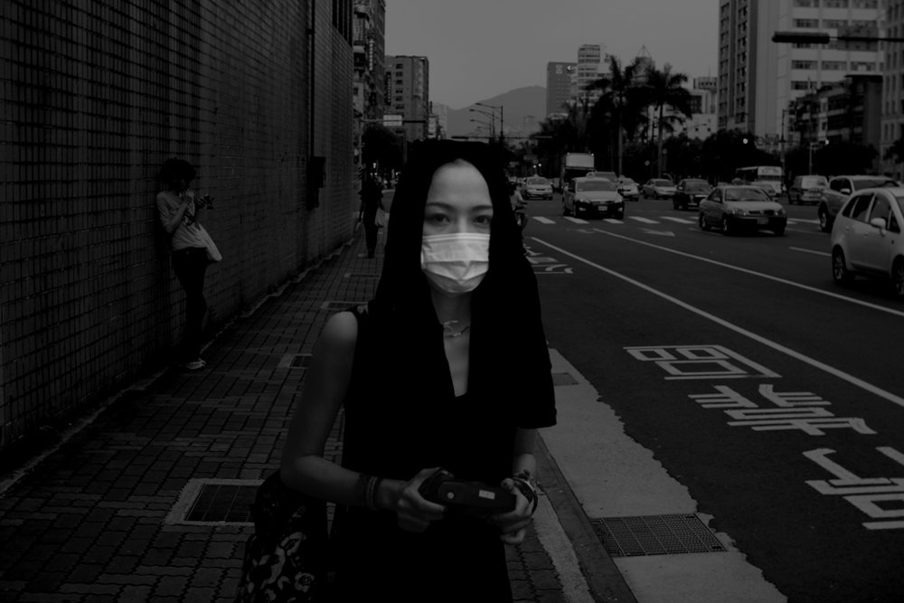 StreetWalk_girlOnWall.jpg