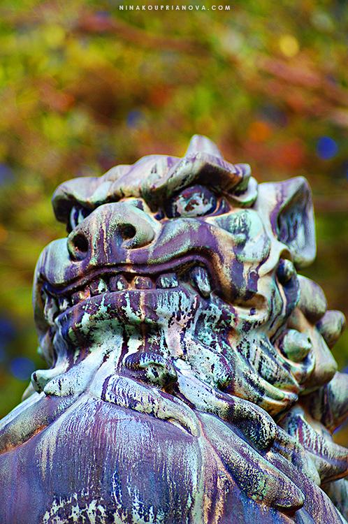 kanazawa shrine statue 750 px with url.jpg