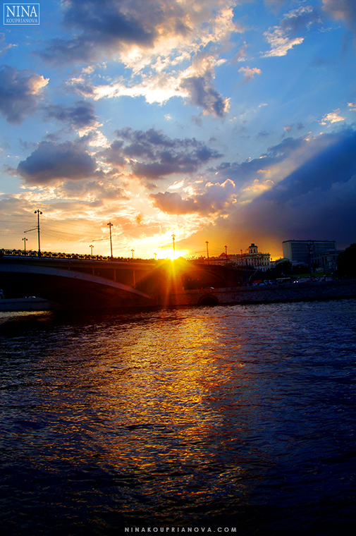 moscow sunset 760 px with url.jpg