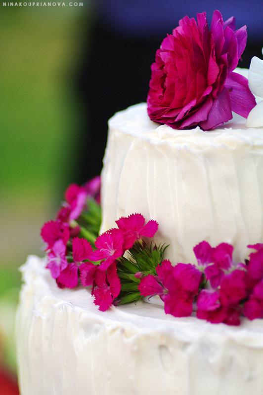 wedding cake 2 800 px url.jpg