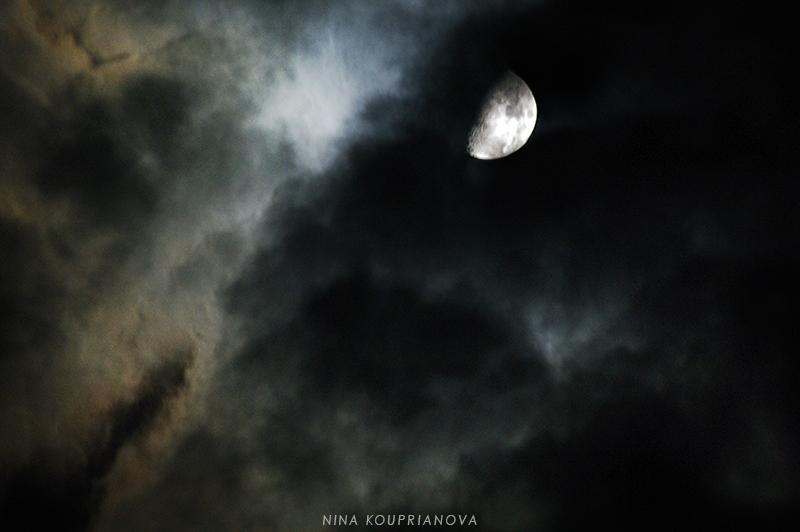 moon oct 12 b 850 px url.jpg