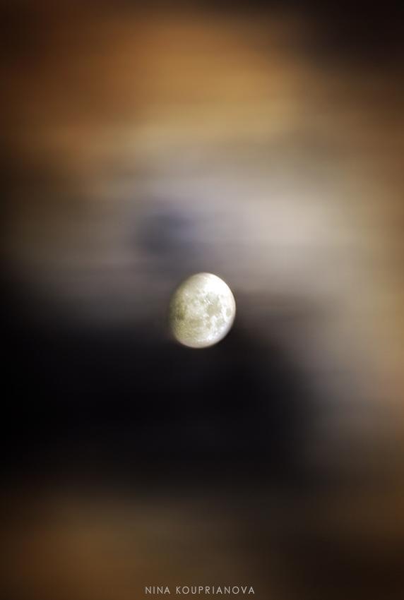 moon nov 2 850 px url.jpg
