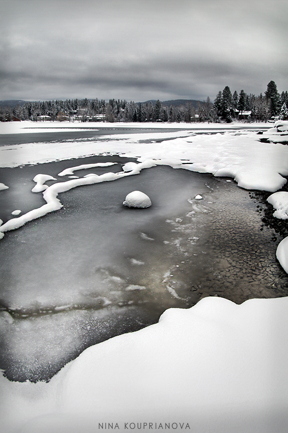 lake with ice 850 px url.jpg
