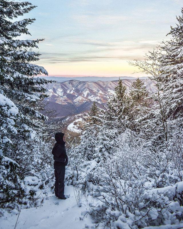 From the top of Spruce Knob, the highest point in West Virginia. . . . #SpruceKnob #AlmostHeaven #WestVirginia #americana #WV #USA #usanature #mountainstate #wvphotos #westvirginiaphotos #folktravel #livefolk #planetearth #winter #OnlyInWestVirginia #wildandwonderful #appalachia #wvphotos #mountainstate #rural #hikewv #goeast #just_unitedstates #hikingadventures #hikingaddict #hikingtrails #adventuretime #explore #livenature #traveltoday