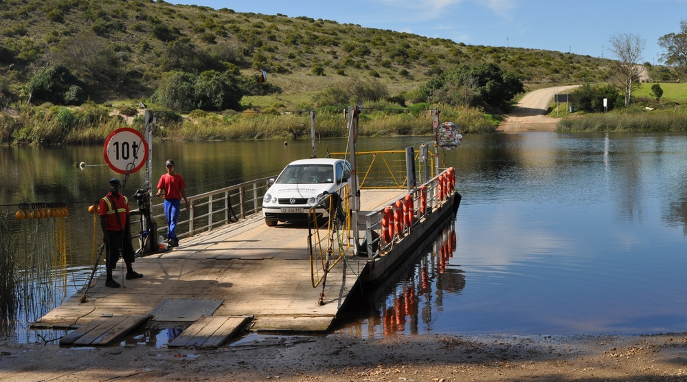 Crossing the Breede River in search of cranes on South Africa'slast hand-operated pont