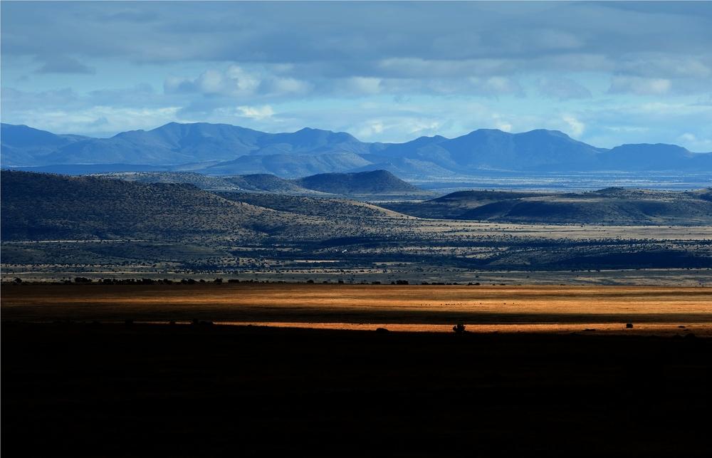 The plains of Mountain Zebra National Park. Credit: Etienne Oosthuizen. Copyright SANParks.