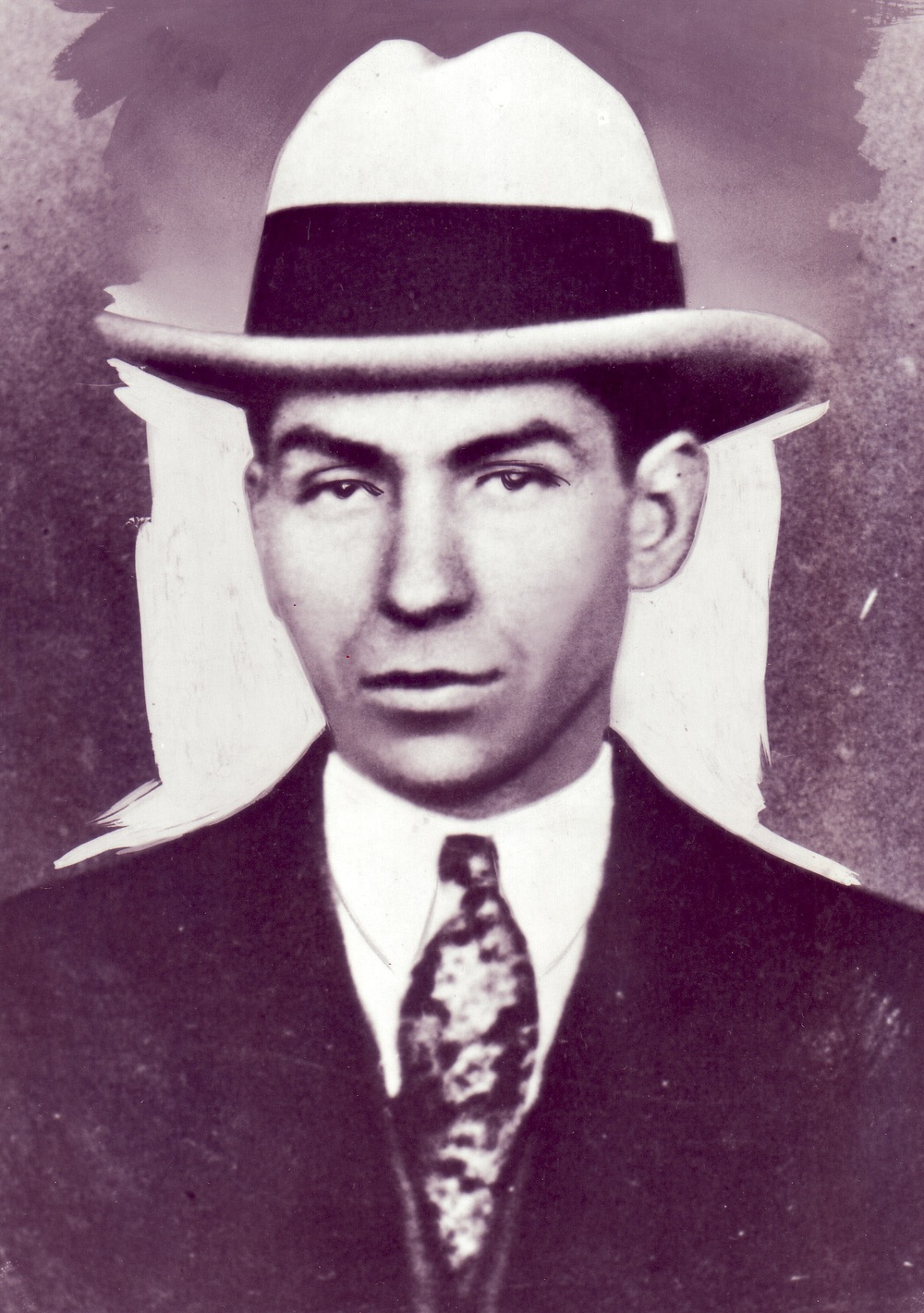 A snappy dresser, Luciano was fond of wearing handmade shoes, silk shirts and finely tailored suits.