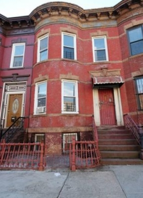 272 MacDoughal Street, Bedford Stuyvesant - Represented buyer closed at $708,000