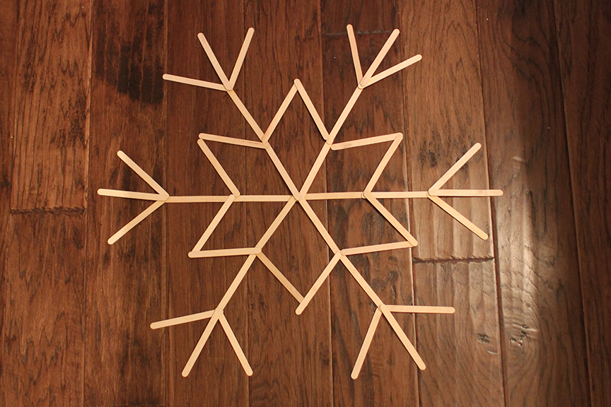 DIY Snowflake Door Decor | That's Pretty Ace